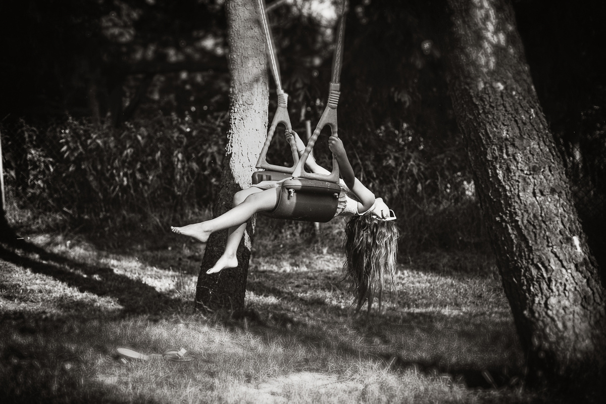 عکاسی هنری کودک در حال بازی