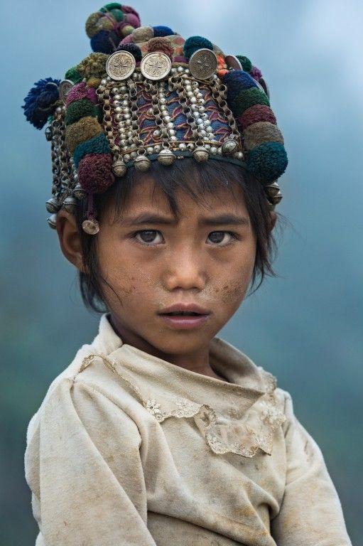 عکس پرتره کودک با نور کم
